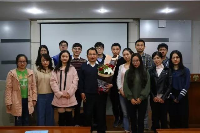武汉大学研究生学报社承办,武汉大学哲学学院研究生会协办.图片